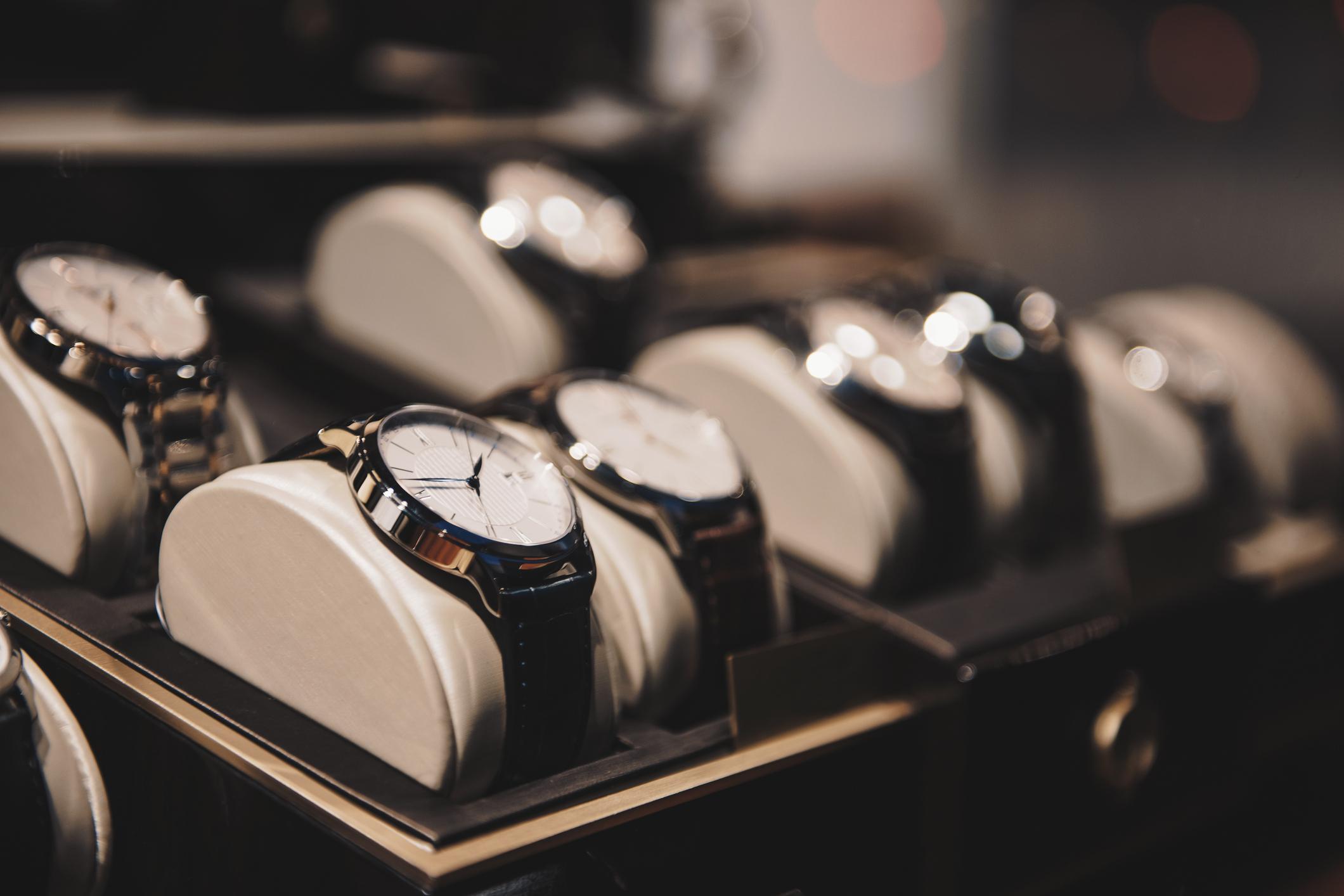 Tre flotte klokker som forbedrer ethvert antrekk